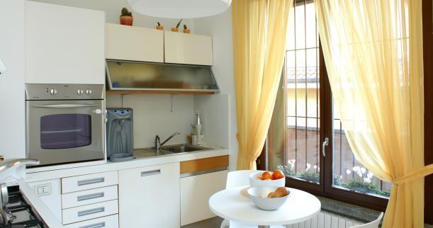 Желтые гардины для кухни