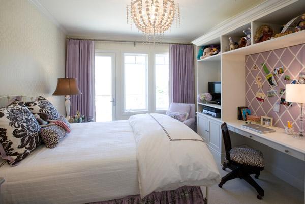 Сиреневые занавески в спальне