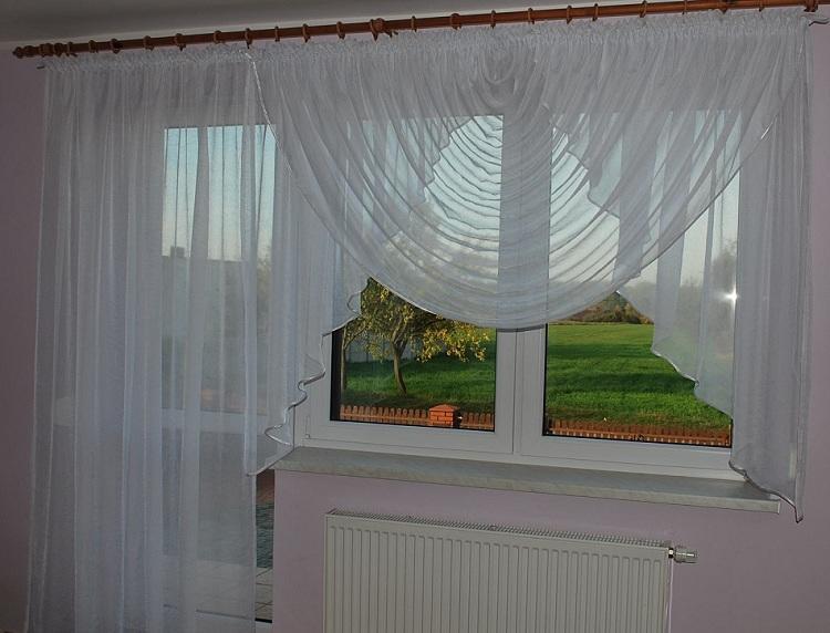 Римские шторы на балконную дверь