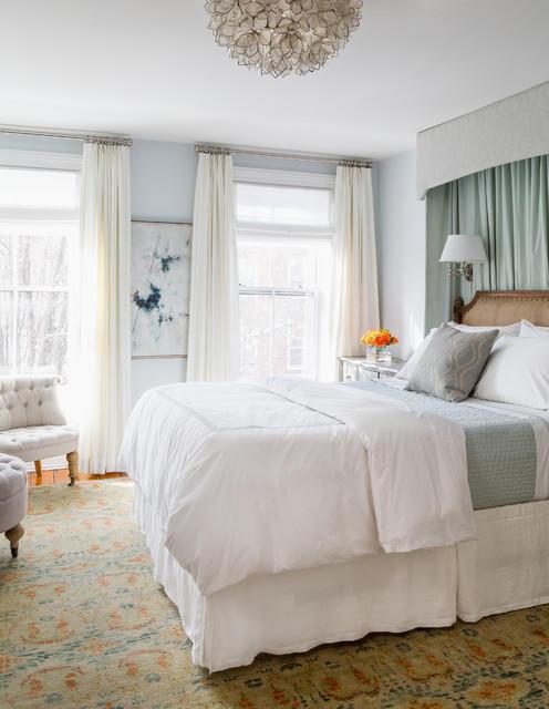 Прозрачные занавески в спальню