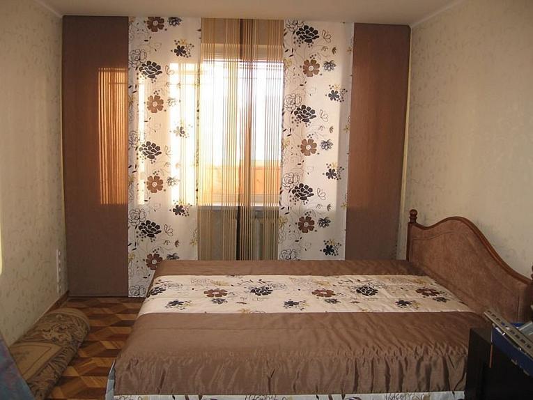 Японские шторы для спальни