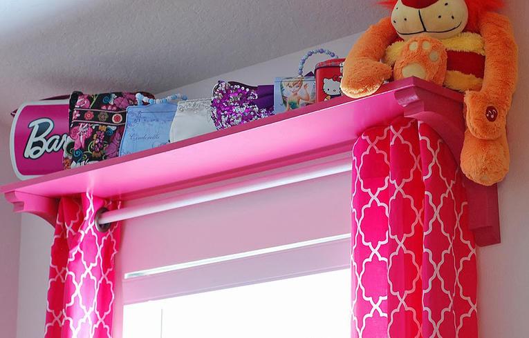 Розовые шторы на люверсах для детской