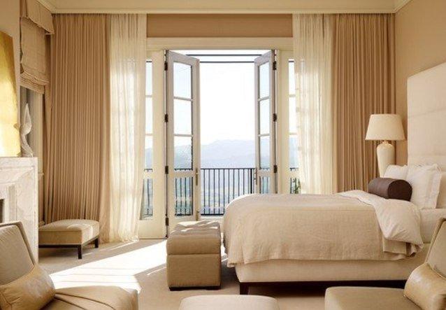 Бежевые шторы с тюлем для спальни